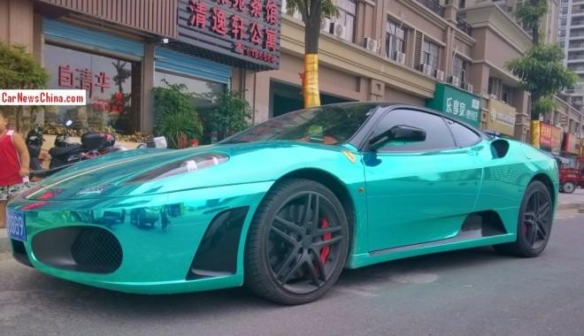 Ferrari F430 is shiny mint green in China