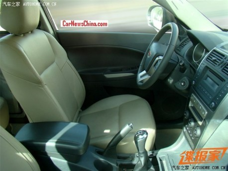 geely-ex8-china-spy-3