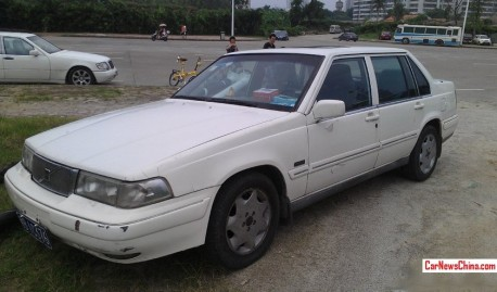 Spotted in China: Volvo 960 sedan in White
