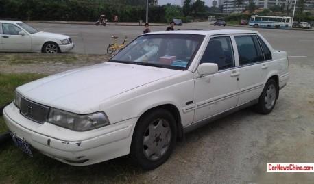 Spotted in China: Volvo 960 sedan in White