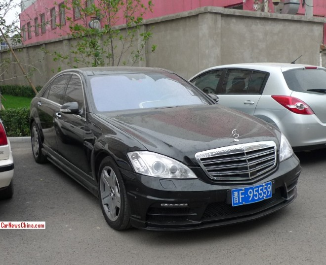 Spotted in China: Mercedes-Benz S65 AMG Wald Sport Line Black Bison Edition
