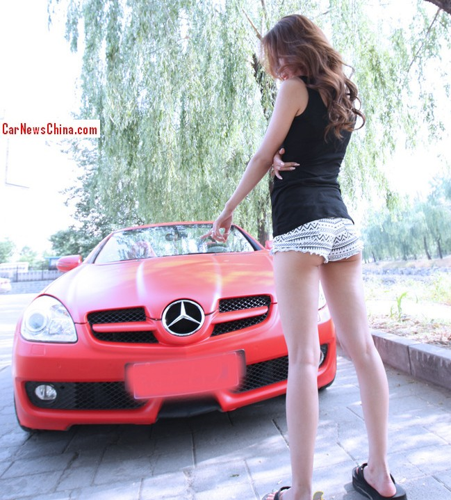 china-girl-pink-mercedes-3