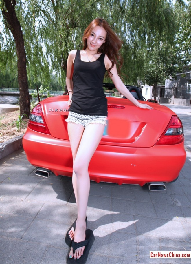 china-girl-pink-mercedes-4
