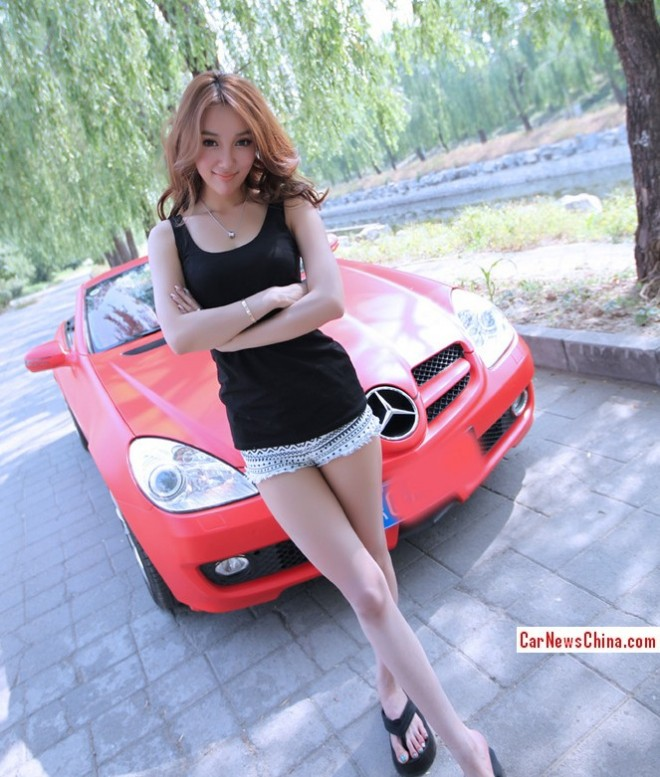 china-girl-pink-mercedes-5