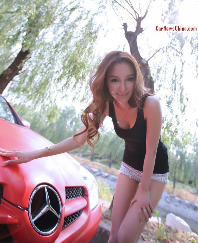 china-girl-pink-mercedes-6