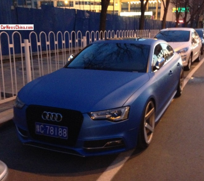 Audi S5 Sportback is matte blue in China