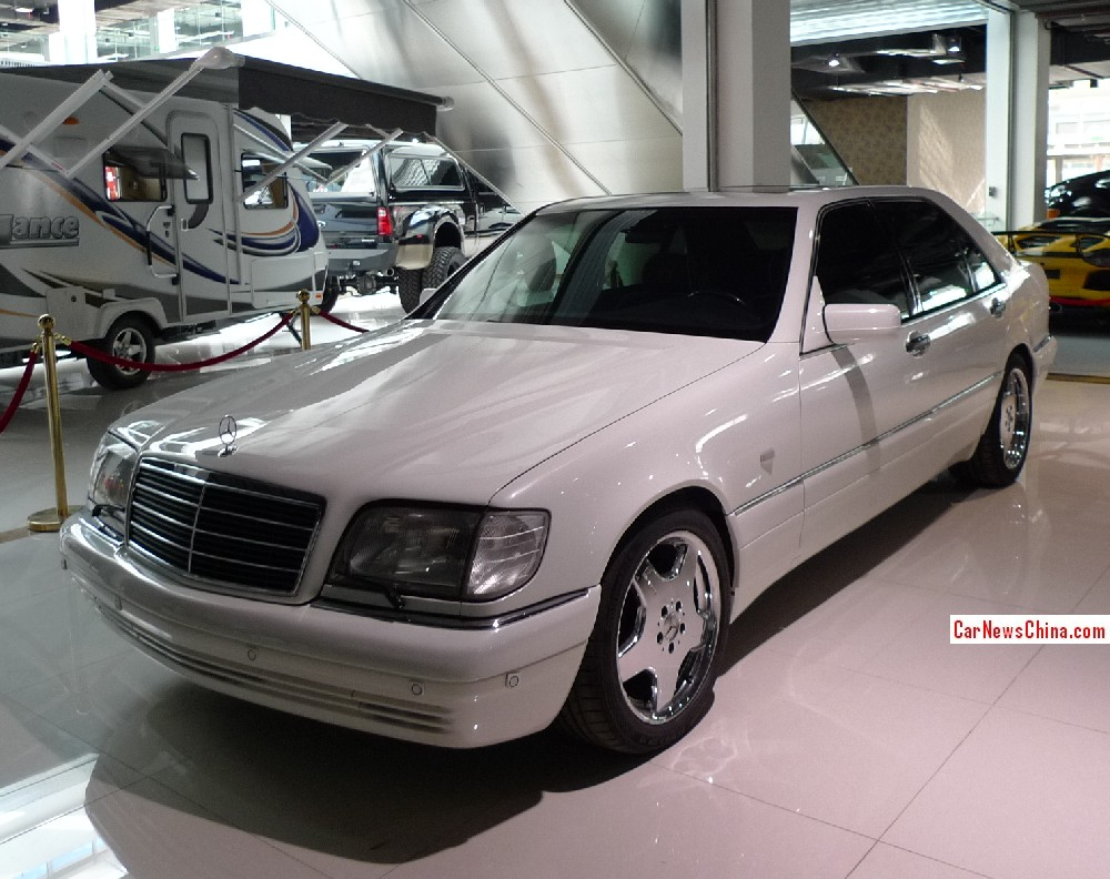 Spotted in china w140 mercedes benz s class with amg body for Mercedes benz auto body