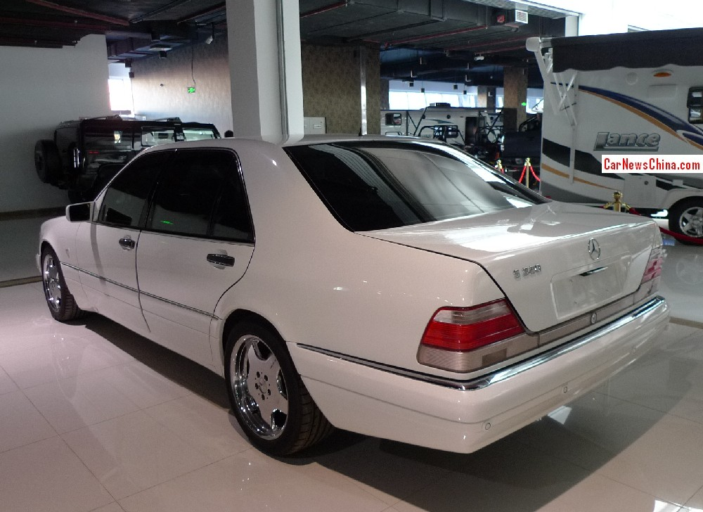 Spotted in china w140 mercedes benz s class with amg body for Mercedes benz body kit