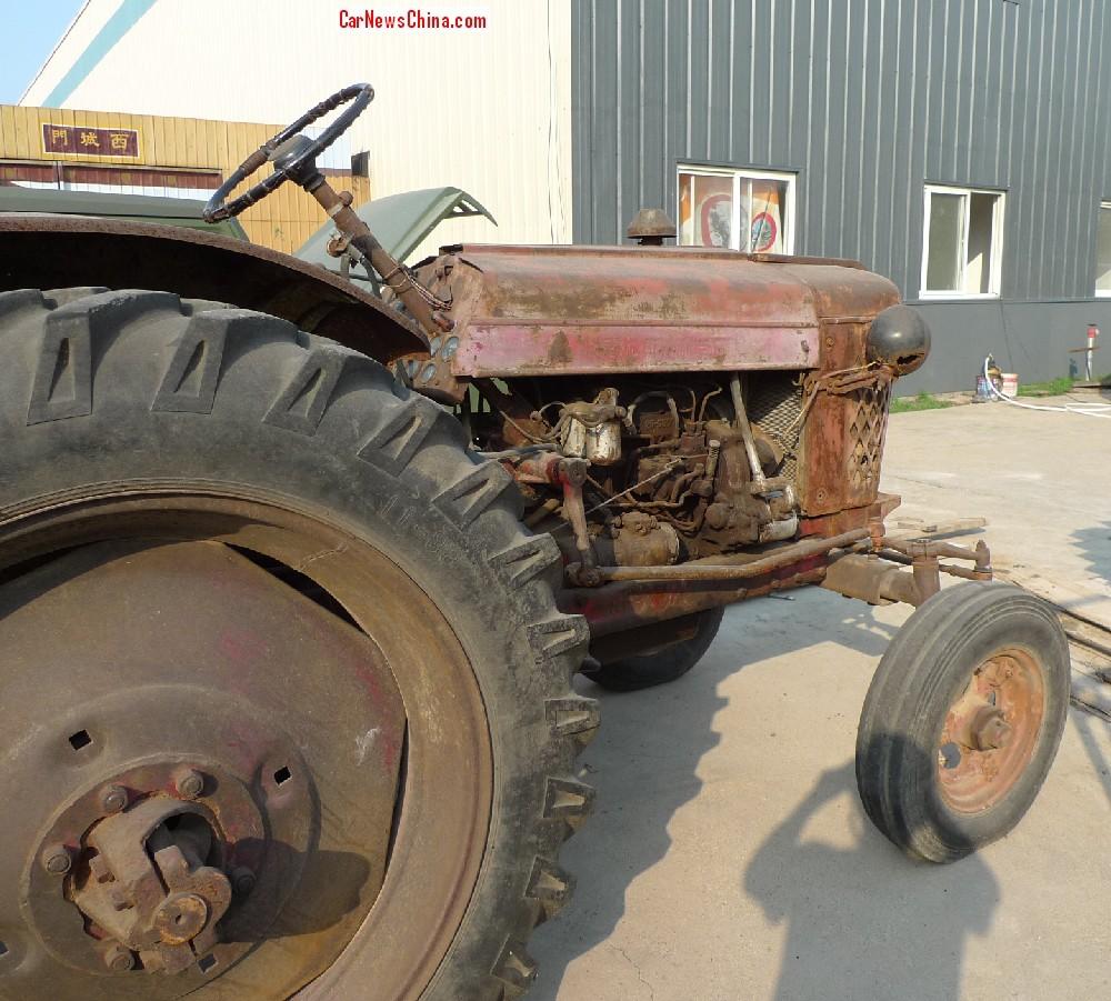 China Car History: Dongfanghong 28 Tractor