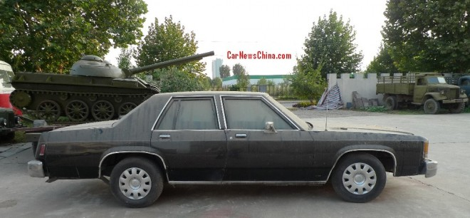 ford-crown-victoria-china-2