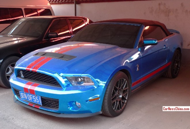 Ford Mustang Shelby GT500 convertible is Shiny Blue in China