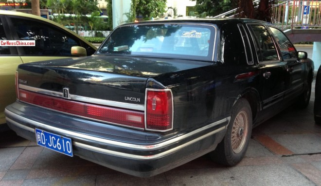 lincoln-town-car-china-9-3