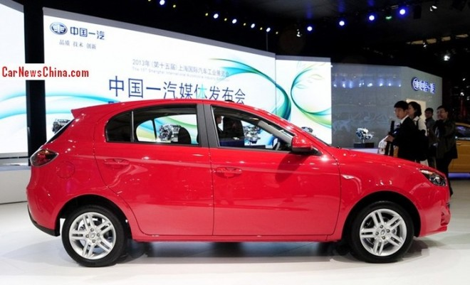 oley-hatchback-china-3