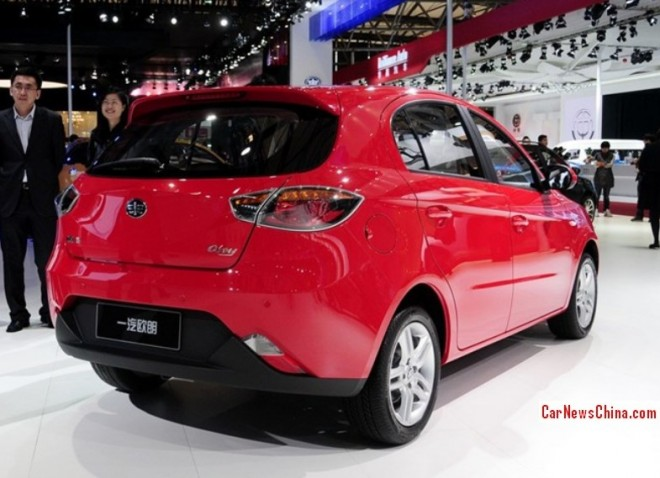 oley-hatchback-china-4