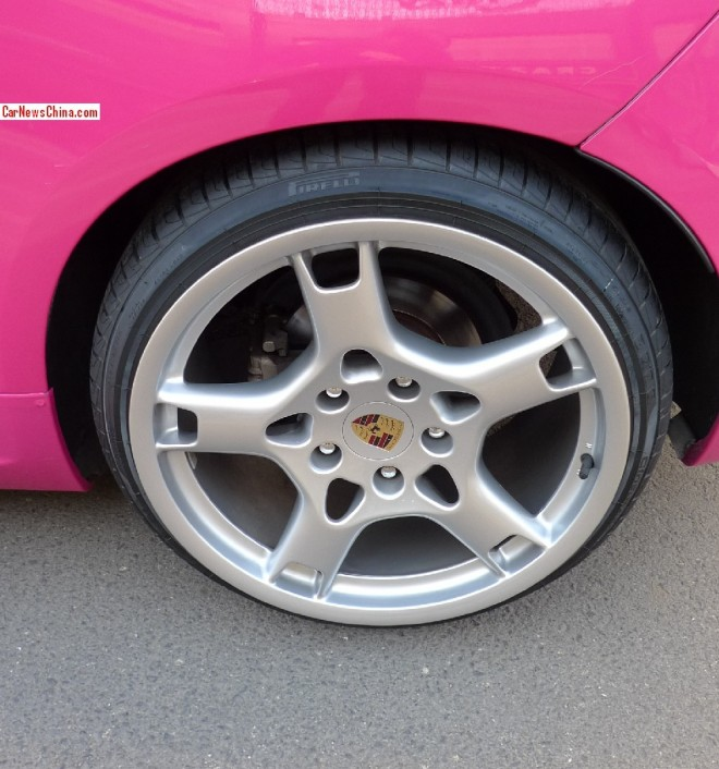 volkswagen-scirocco-pink-china-2