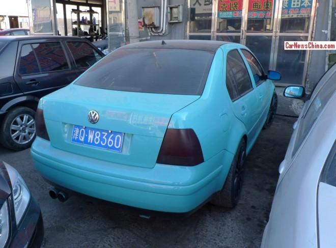 bora-volkswagen-blue-2