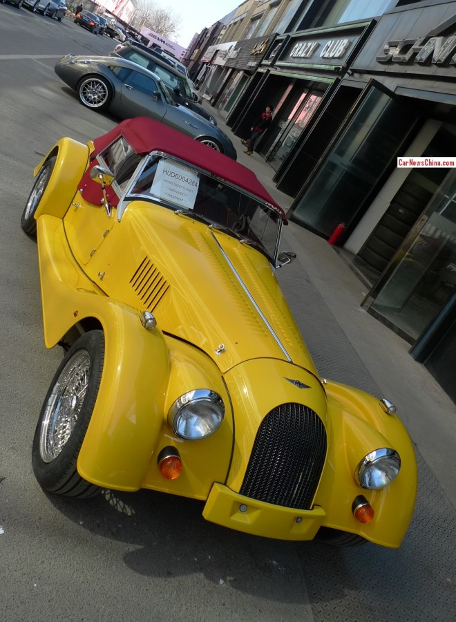 Retro Racers: Morgan Roadster V6 & Wiesmann GT MF4 in China