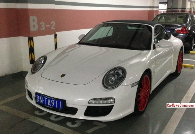 Porsche 911 Carrera S Cabriolet has a License in China