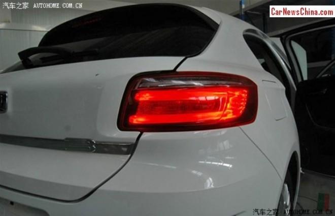 qoros-3-hatchback-4