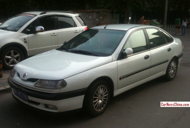 Spotted in China: first generation Renault Laguna RXE