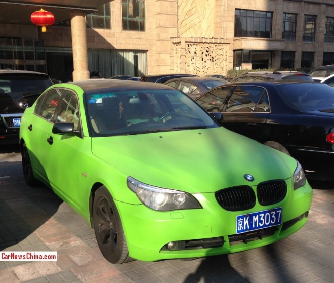 BMW 530Li is a shiny lime green M3 in China