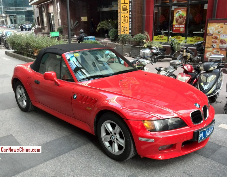 spotted in china bmw z3 in red. Black Bedroom Furniture Sets. Home Design Ideas