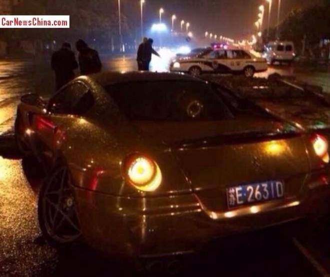 ferrari-crash-china-599-3