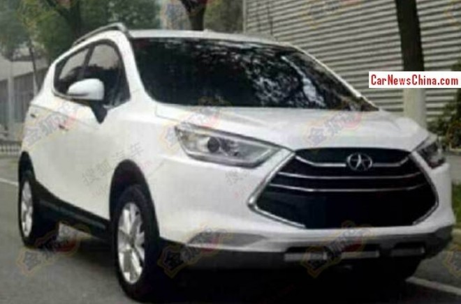 Spy Shots: JAC S30 SUV has a shiny grille in China
