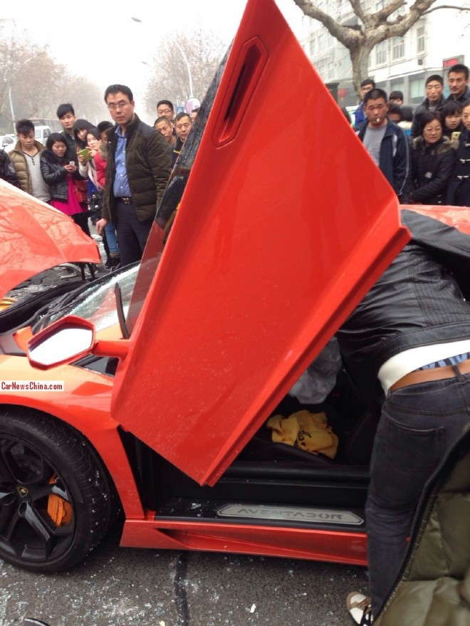lamborghini-crash-china-2-5