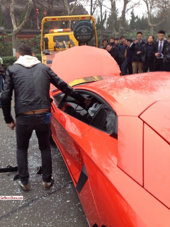 lamborghini-crash-china-2-6