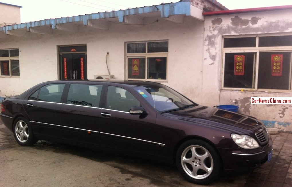 spotted in china w220 mercedes benz s class pullman stretched limousine. Black Bedroom Furniture Sets. Home Design Ideas