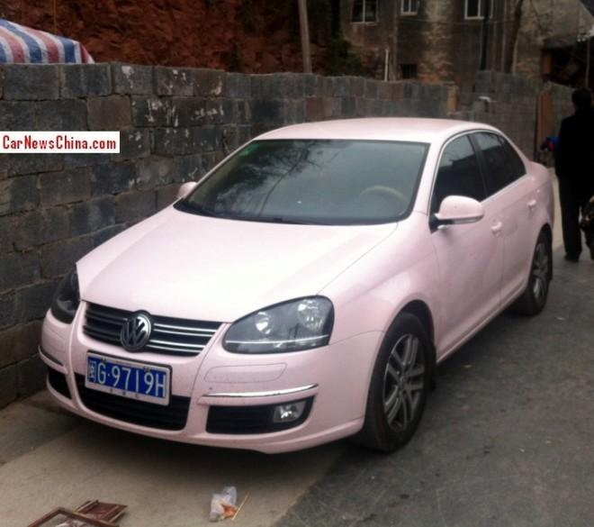 Volkswagen Sagitar is Pinkish in China