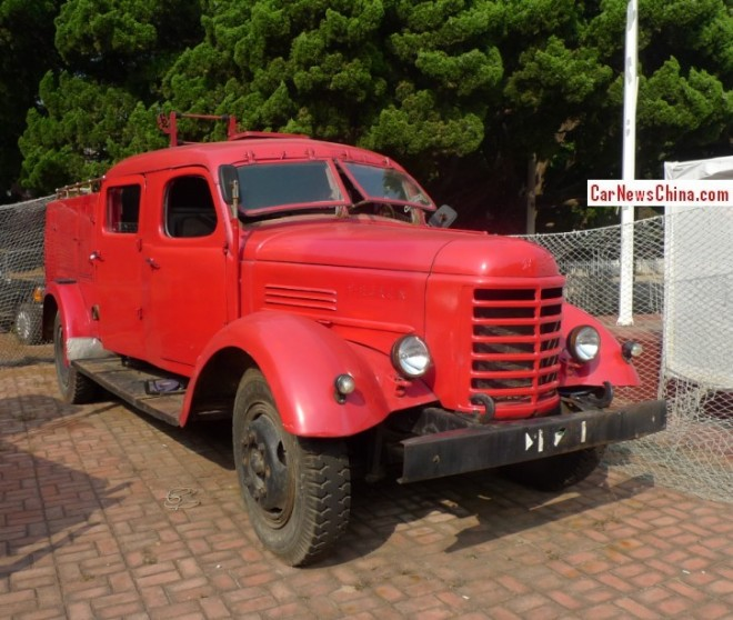 China Car History: the Jiefang CA10 fire truck