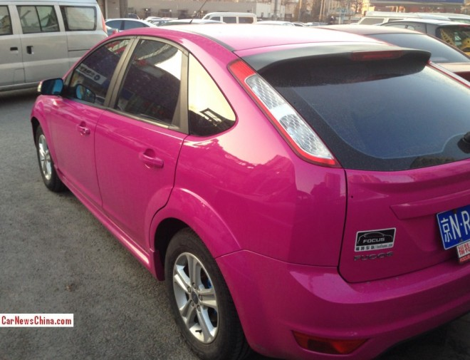 ford-focus-pink-china-4