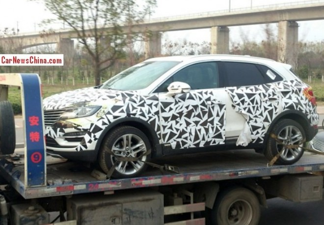 Spy Shots: Lincoln MKC rides a flatbed truck in China