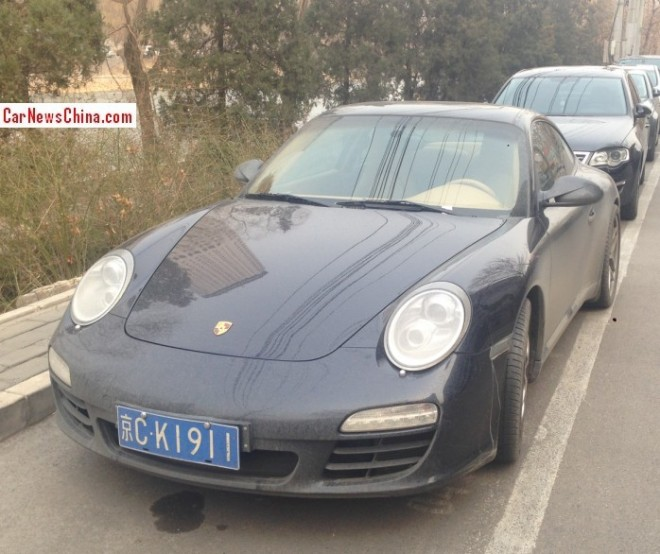 Porsche 911 is Dusty with a License in China