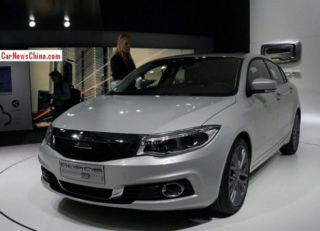 qoros-3-hatch-china-3