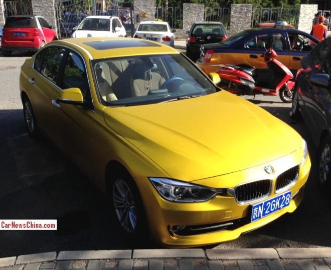 BMW 328Li is yellow gold in China