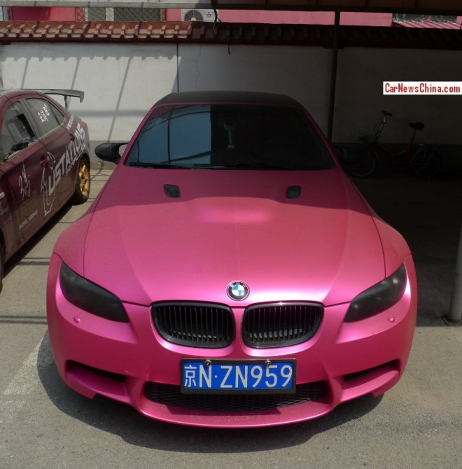 BMW M3 Convertible is shiny Pink in China