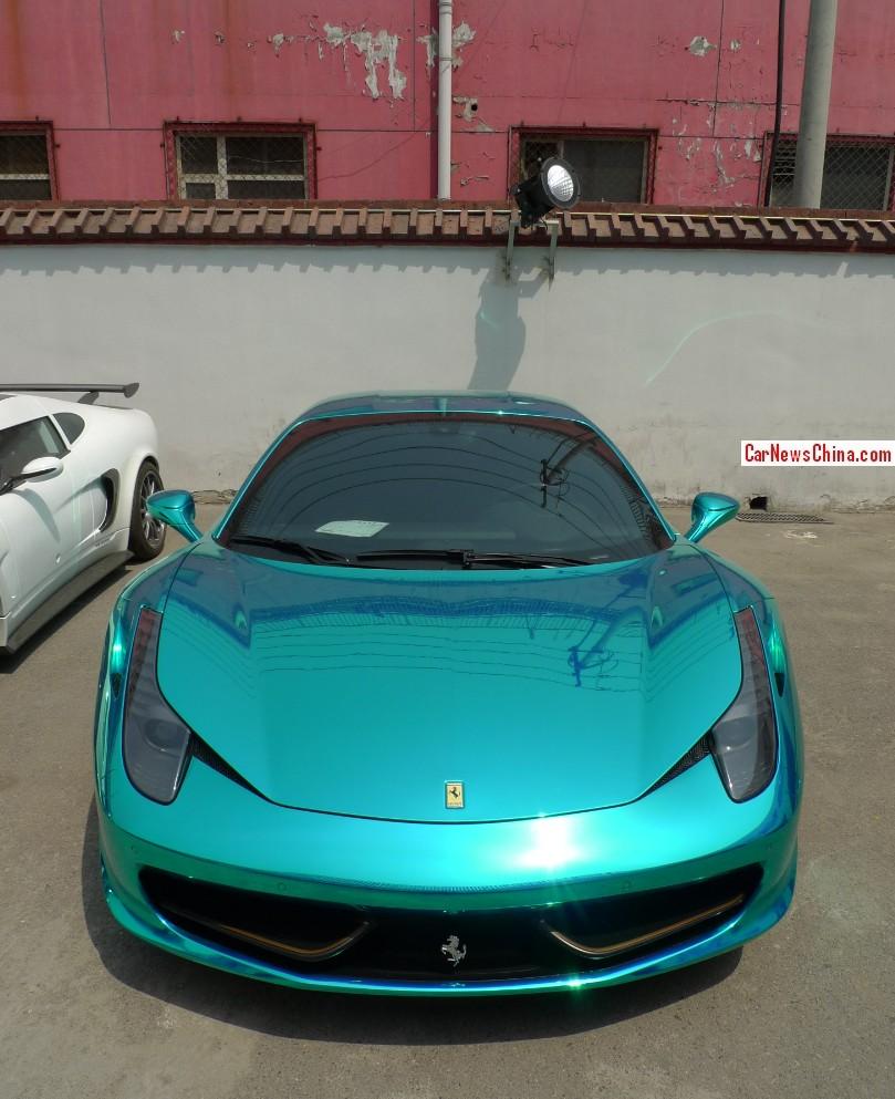Ferrari 458: Ferrari 458 Is Chrome Shiny Green In China