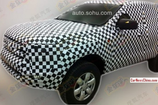 Spy Shots: Ford Everest SUV testing in China