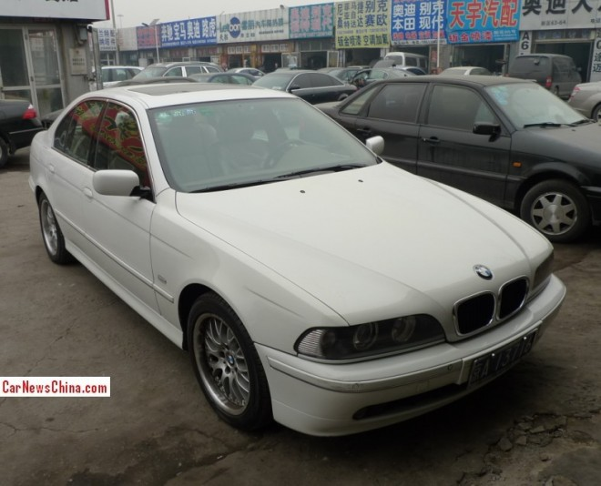 Spotted in China: E39 BMW 530 in white