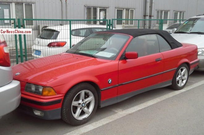 Spotted in China: E36 BMW 328i Convertible in red