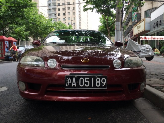 Spotted in China: Lexus SC400 in wine red