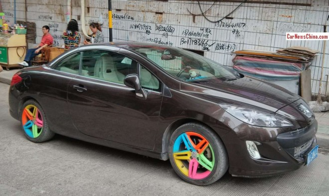 Peugeot 307 CC has Happy Alloys in China
