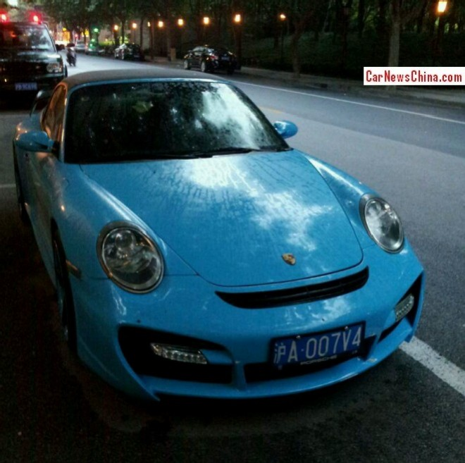 porsche-blue-911-china-3