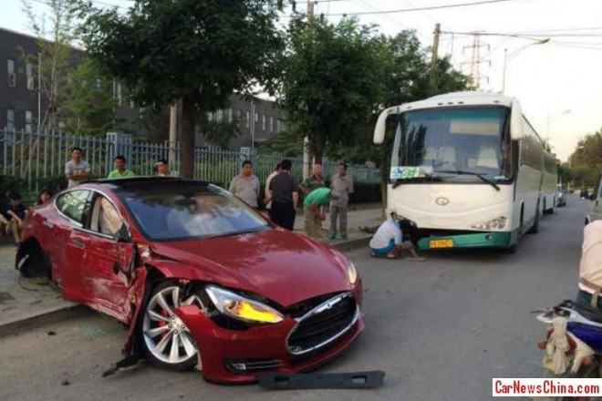 First Tesla crashes in China