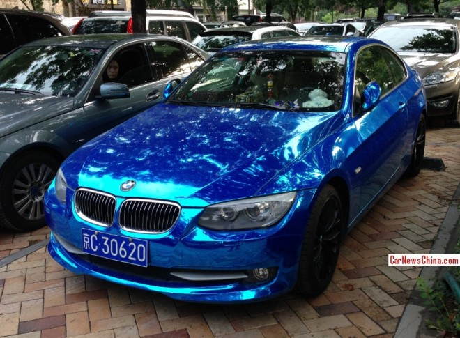 BMW 335i Coupe is shiny blue in China