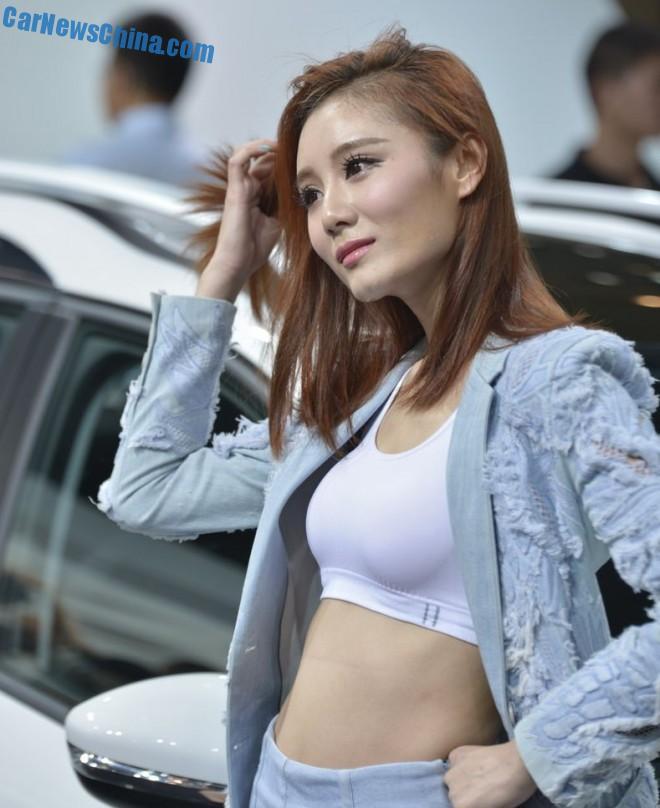 china-car-girls-chengdu-2-peugeot
