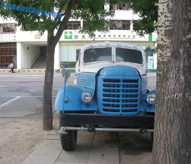 liberation-water-truck-china-2